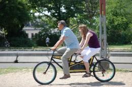 R. Kárpáti Péter Krizbai Tecával tandem biciklin fotó