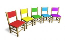 A képen székek láthatók, melyeket kör alakban helyeztek el, hogy valaki rájuk üljön