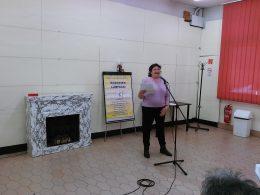 A képen az látható, amint Lenkai Viki ünnepi köszöntőt mond