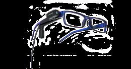 A képen az orcam fejlesztése látható, egy kék szemüveg, rajta a kamera és a fülhallgató, valamint az alegységhez vezető vezeték