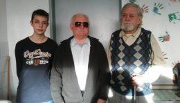 Sándor, József és Benedek, a hárm klubtag, egymás mellett áll