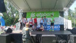 A fényképen az látható, amint a kollégáink a színpadon állva előadást tartanak