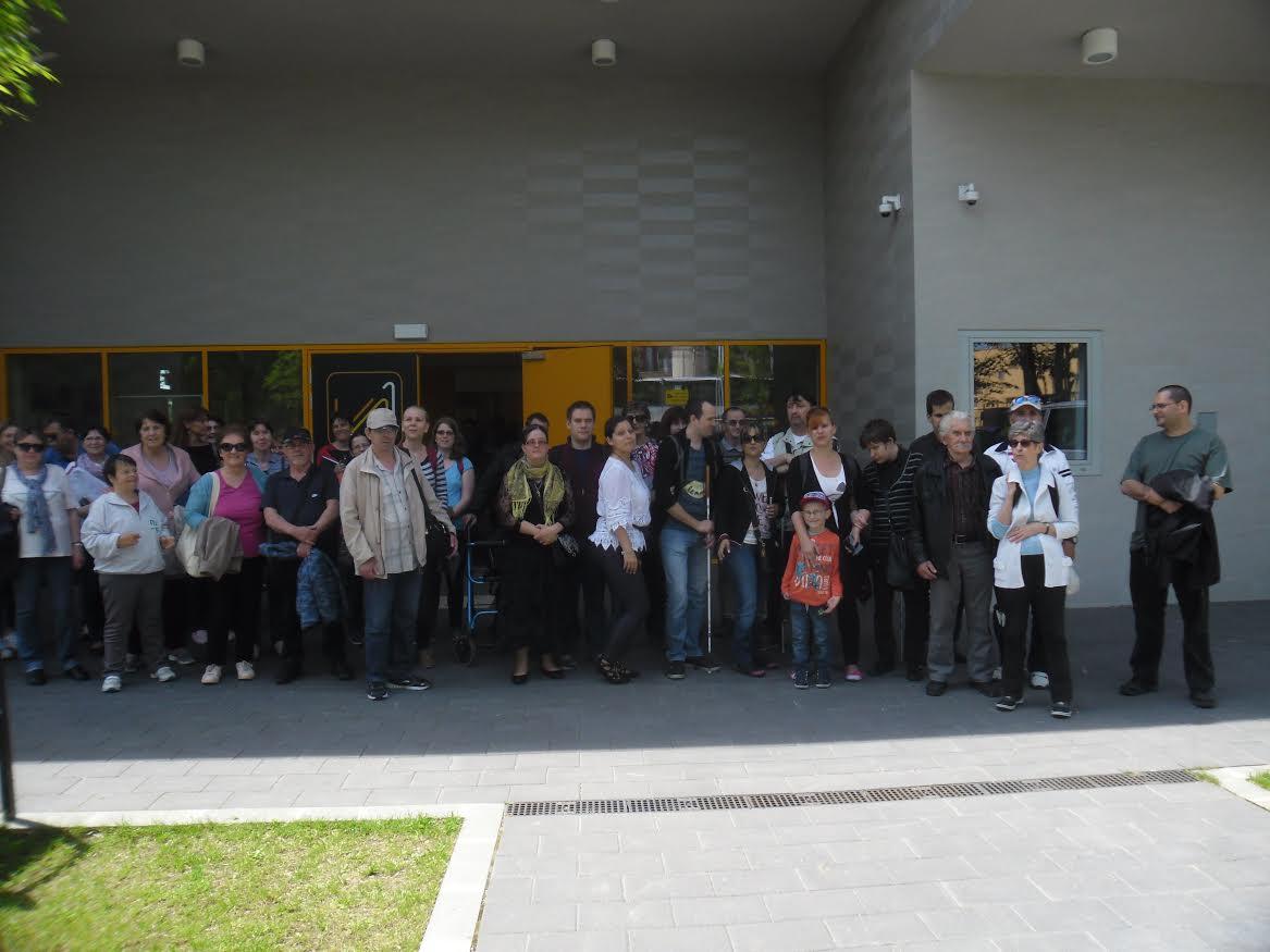 A képen a csoportunk látható