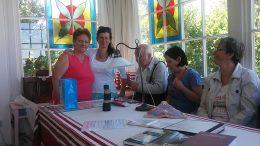 A képen a látogatócsoport tagjai láthatóak