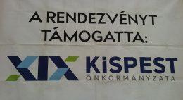 A képen egy molinó látható, mely támogatóként jelöli meg a kispesti önkormányzatot