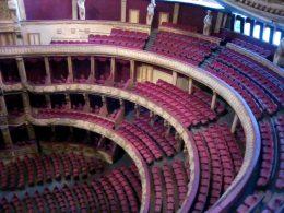 A képen a régi Nemzeti Színház tapintható maketje látható