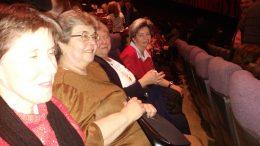az óbudai klubtagok a színházban