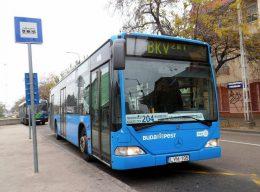 A képen egy 204-es busz látható Békásmegyeren