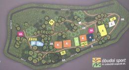 A képen a park vázlatos térképe látható, rengeteg fával és kisebb-nagyobb emelkedőkkel