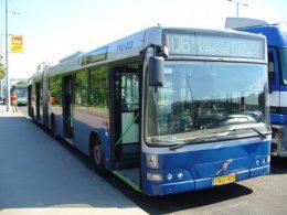 A képen a 106-os busz látható az óbudai végállomáson