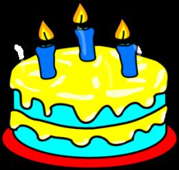 A képen egy születésnapi torta látható, három gyertyával