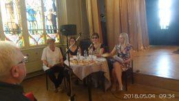 A VGYKE vezetése a Nádor teremben ül egy asztalnál