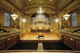 A képen a Zeneakadémia nagyterme látható