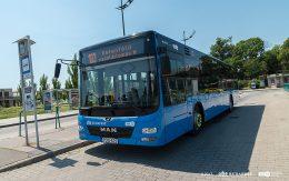 A képen egy 103-mas busz látható a kelenföldi végállomáson