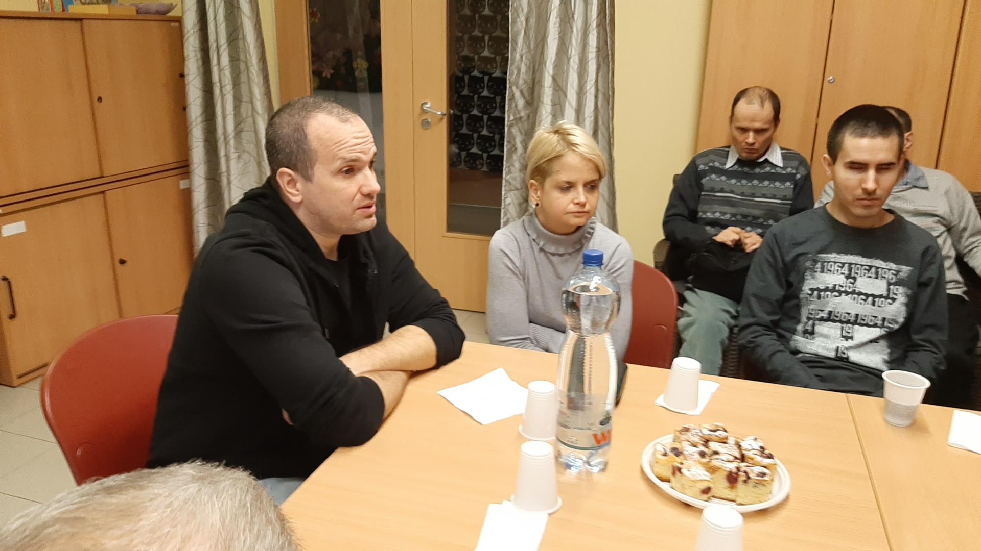 A képen Rádi Anna és Benke Richárd, az Ügyfélszolgálat munkatársai láthatók